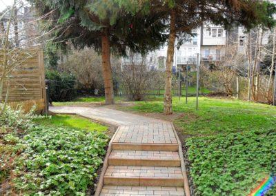 Garten mit Wäscheplatz